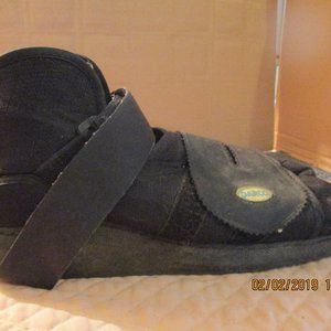 DARCO Shoe Right Foot Relives Pressure